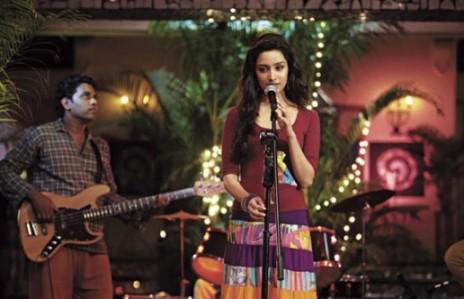 shraddha in aashiqui 2-showbizbites