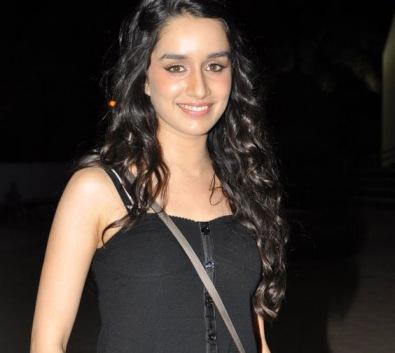 Shraddha-Kapoor-aashqiui-showbizbites