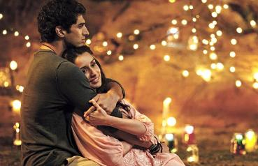 aashiqui 2 couple dating 52 results bollywood actor shraddha kapoor, who is thrilled with her hat-trick of double- digit openings of her past three releases, has pulled her socks up for 'ok jaanu' produced by karan johar, the flick marks the second project of rumoured couple and 'aashiqui 2' co-stars shraddha and aditya roy kapoor may 04, 2016.