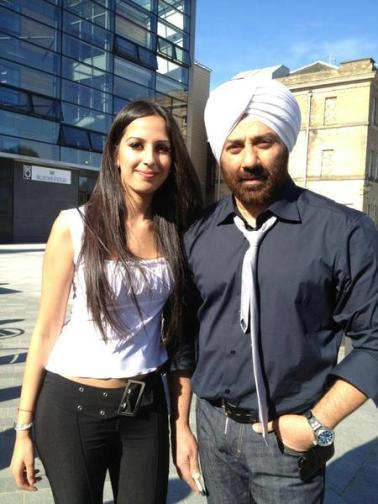 sunny with gal in ypd2-showbizbites