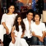 SRK with Family-Showbizbites