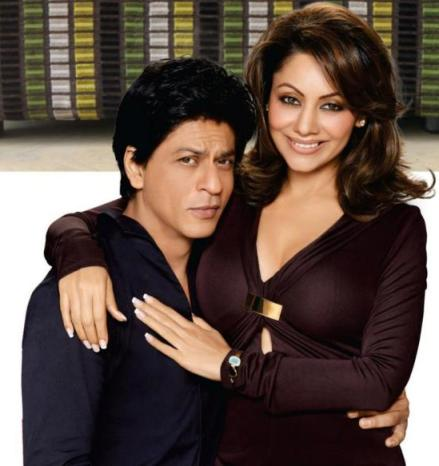 SRKwith wife-showbizbites