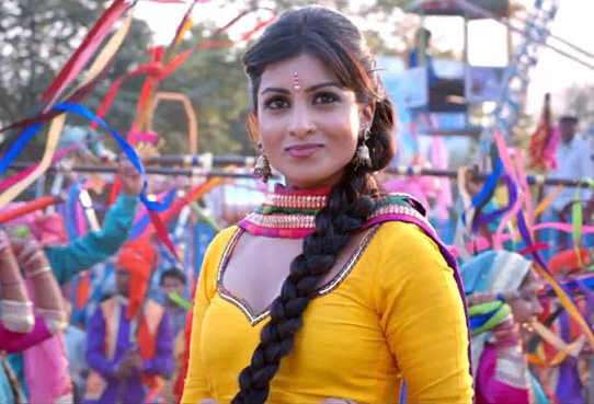pallavi-besharam-showbizbites