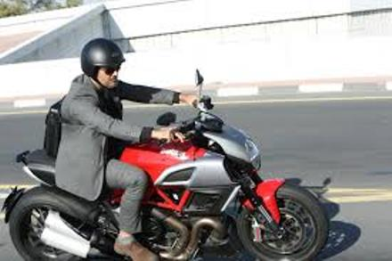 ajith in arrambam-still-showbizbites