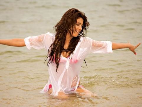 top 10 hot bollywood actresses in rain bollywood wet