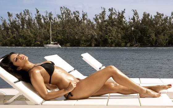 kat in bikini-showbizbites
