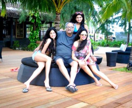 sri devi with daughters in bikini-showbizbites-02