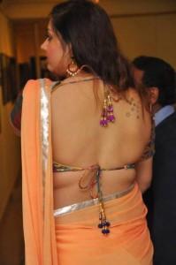namitha hot back-showbizbites-02