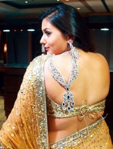 namitha hot back-showbizbites-03