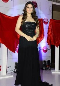 zarine khan at the launch-showbizbites-01