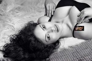 Pix: Devshi Khanduri Flaunts Deep Cleavage, Juicy Assets and Hot Body