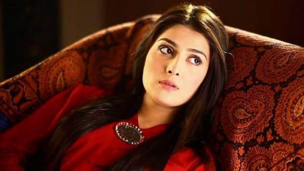 Ayeza Khan-04