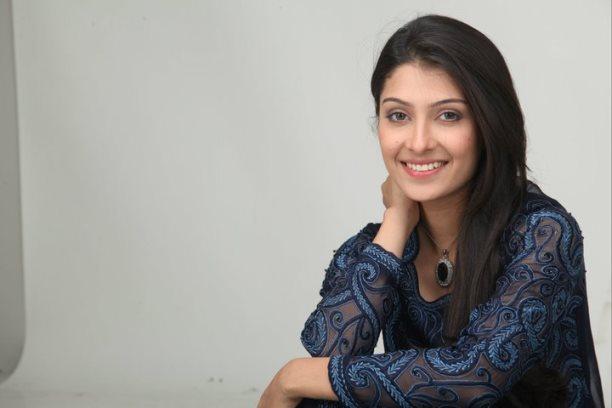 Ayeza Khan-06