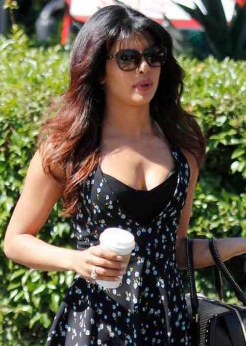 Priyanka Chopra Hot Photos-11