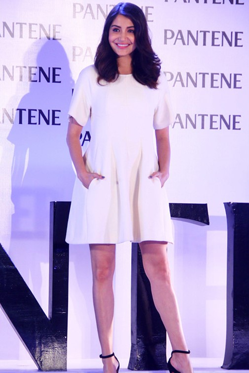 anushka sharma at pantene product launch-01