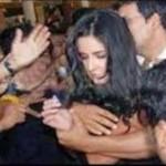 katrina kaif molested in public -01