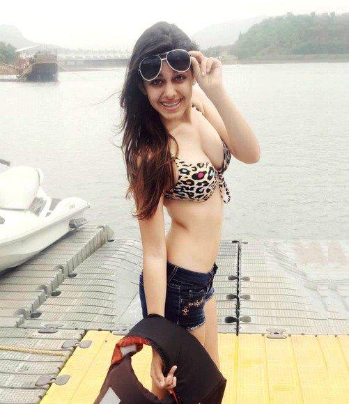 Aalia Ebrahim's Hot Instagram Photos-02
