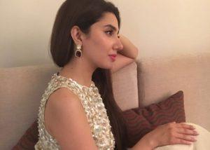 PIX: Mahira Khan's Hot & Stunning Look with Manish Malhotra's Gown