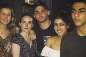 Shah Rukh Khan's Son CAUGHT Partying Hard with Amitabh Bachchan's Granddaughter