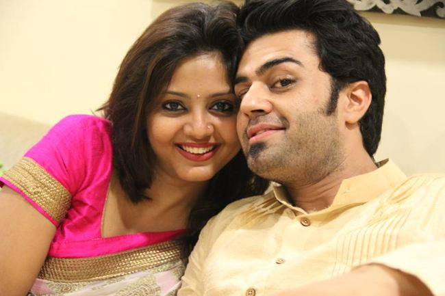 manish paul with wife