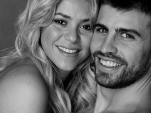 Pregnant Shakira's Style Statement with Boyfriend in a Romantic Photoshoot