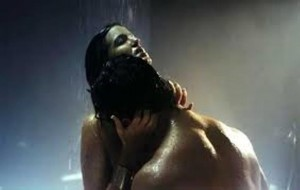 Photos: Dishkiyaoon Hottest Scenes – Check Out