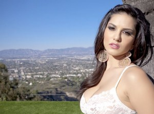 Sunny Leone to Host 7th Season of Splitsvilla
