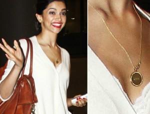 Photos: Deepika Padukone Spotted Wearing Ranveer Singh's Love Pendant