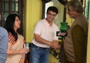 Sourav Ganguly and Wife Meet Amitabh Bachchan on Piku Sets in Kolkata