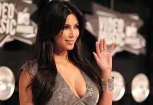 Hollywood Bombshell Kim Kardashian to Enter Bigg Boss 8
