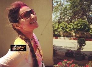Photos: Rishina Kandhari Plays Holi with Husband, Looks Damn Hot