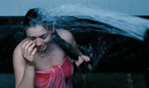 PHOTOS: Yummy Babe Hansika Motwani Again Under Water