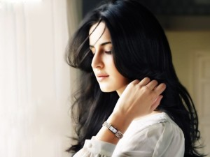 OMG! Katrina Kaif Falls from the Horse…What?