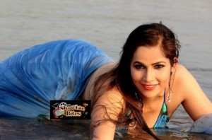 PHOTOS: Tanisha Singh Fully Drenched on the Beach Showing Cleavage and Wet Body