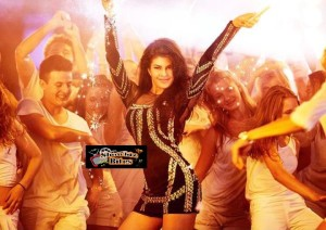 Jacqueline Fernandez Sizzles and Looks Sexy in Saturday Night Song