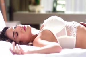 VIDEO: Sunny Leone Heats Up Ijazat Song