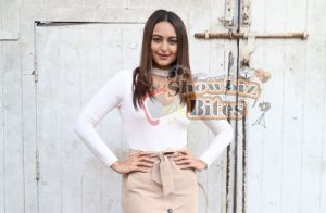 Hectic Schedules Doesn't Matter – Sonakshi Sinha Rehearses for Da Bangg Show